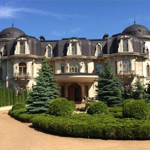 Новый рекорд: ставка аренды на загородный дом достигла 120 тыс. долларов в месяц